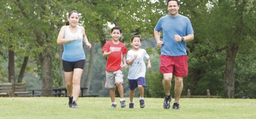 ¡Aprende a hacer ejercicio desde casa con toda tu familia!